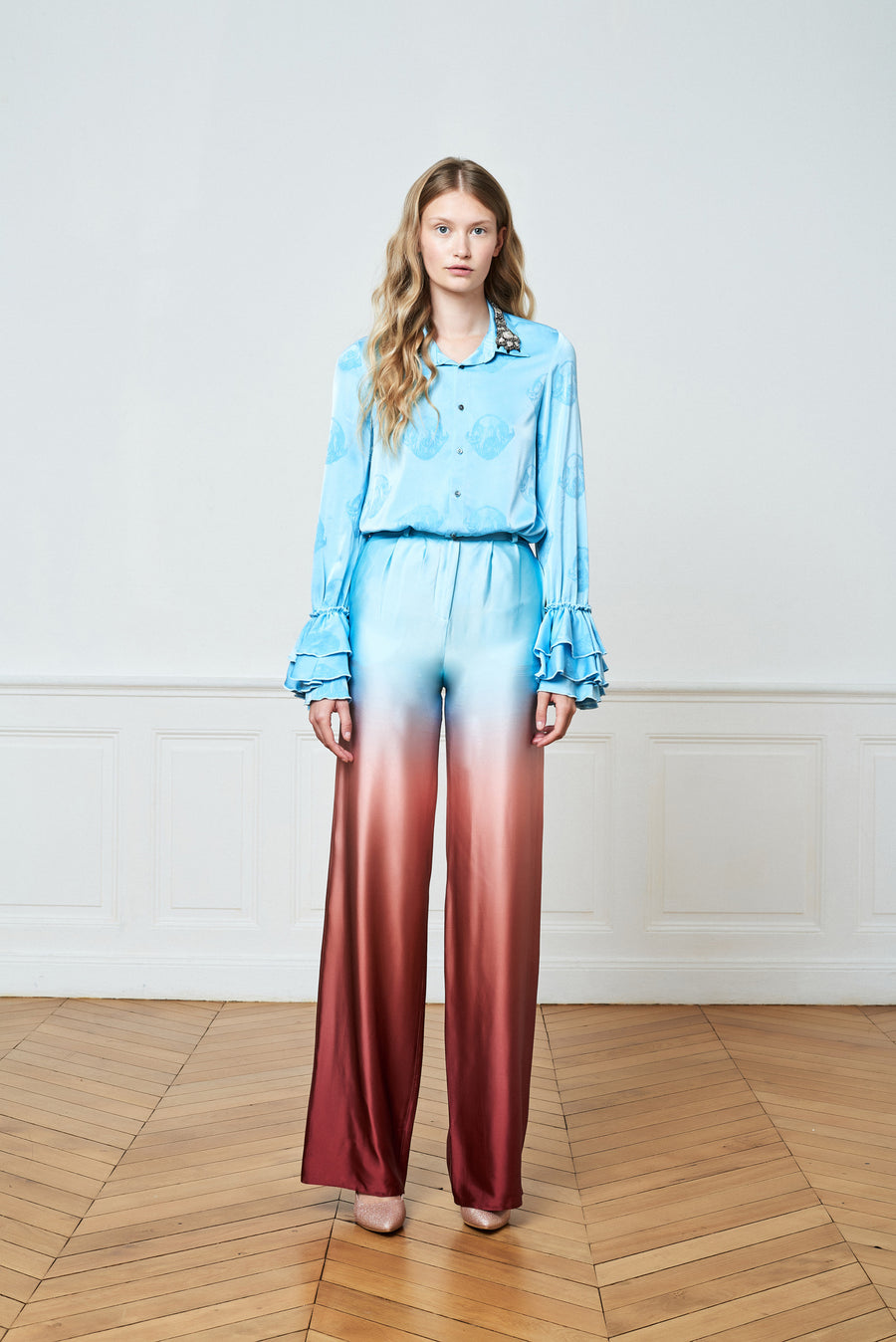 Collar Detailed Blouse & High Waist Gradient Trousers