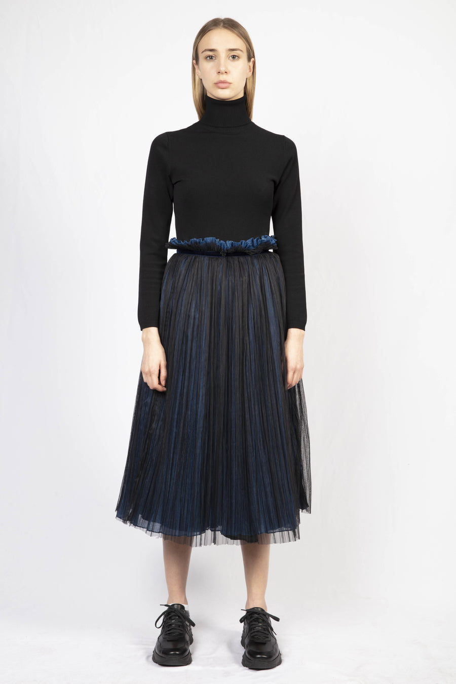 Mesh Layer Pleated Skirt/Turtle Neck Knit Dress