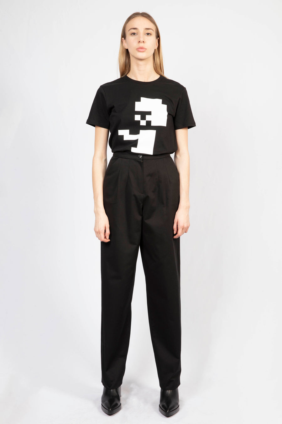 High-waisted Tailored Pants/Print T-shirt