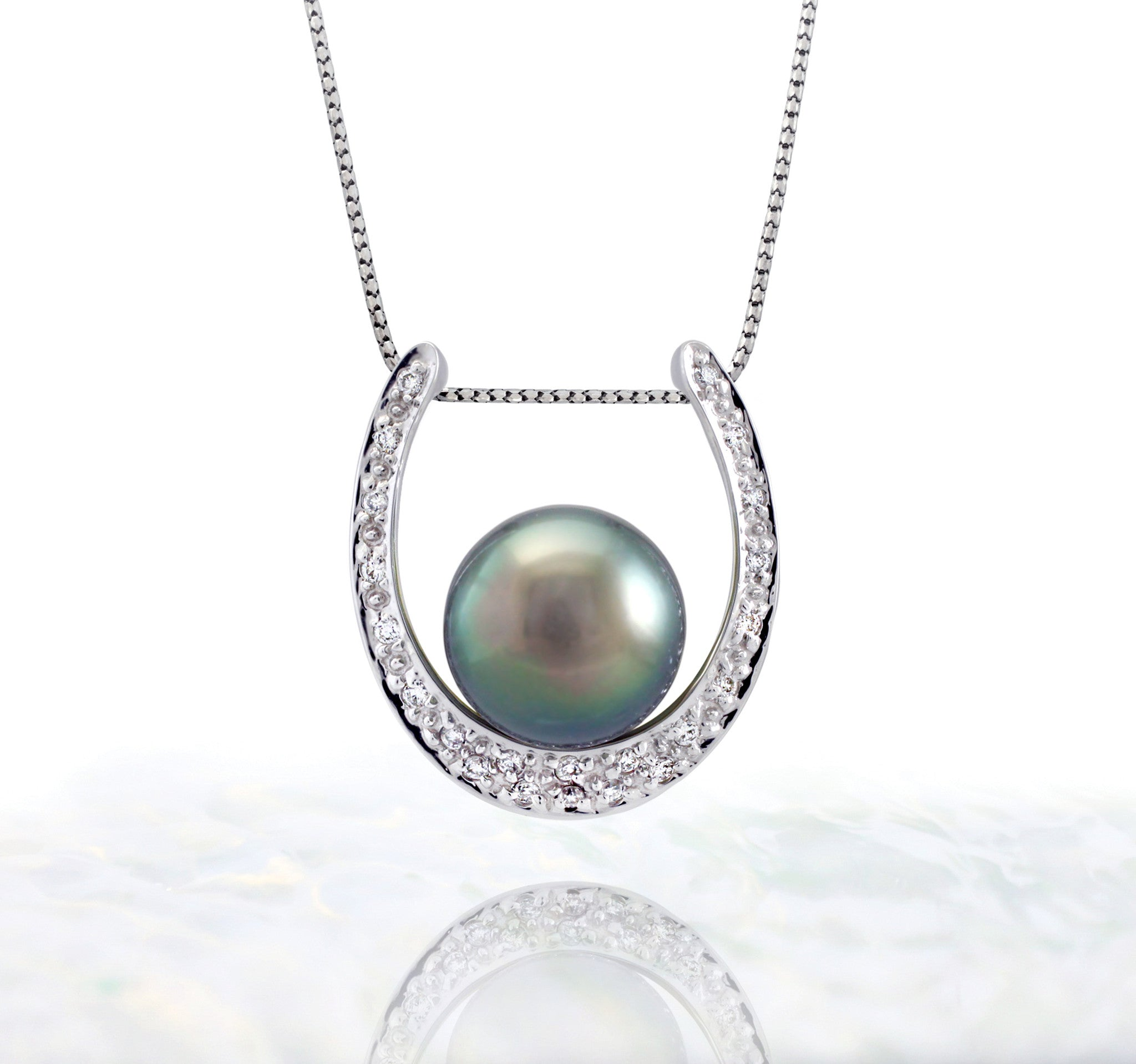 Tahitian pearl pendant in 18k white gold and diamonds - Timeless Elegance - PEWDPE00549