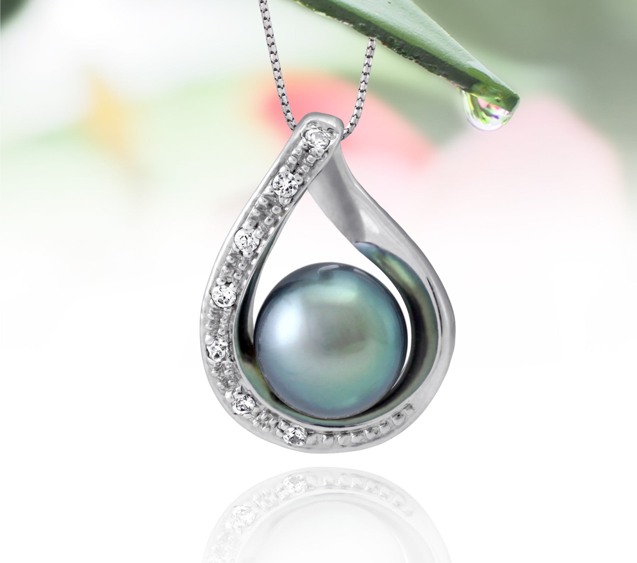 Tahitian pearl pendant in silver - dewdrops collection - PESZPE00511 - blue