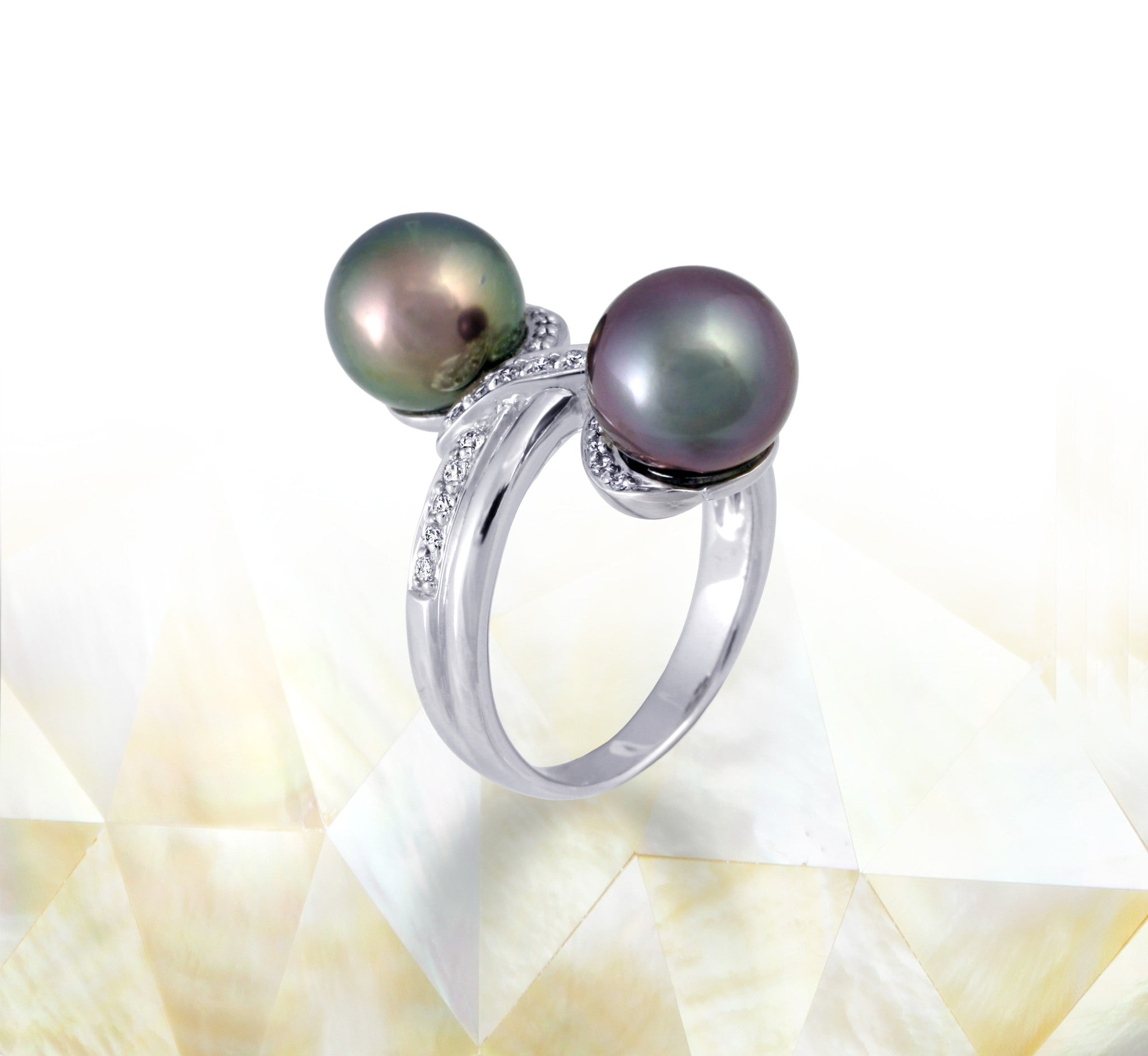 Tahitian pearl ring - 18K white gold with Diamonds - RGWDPE00660