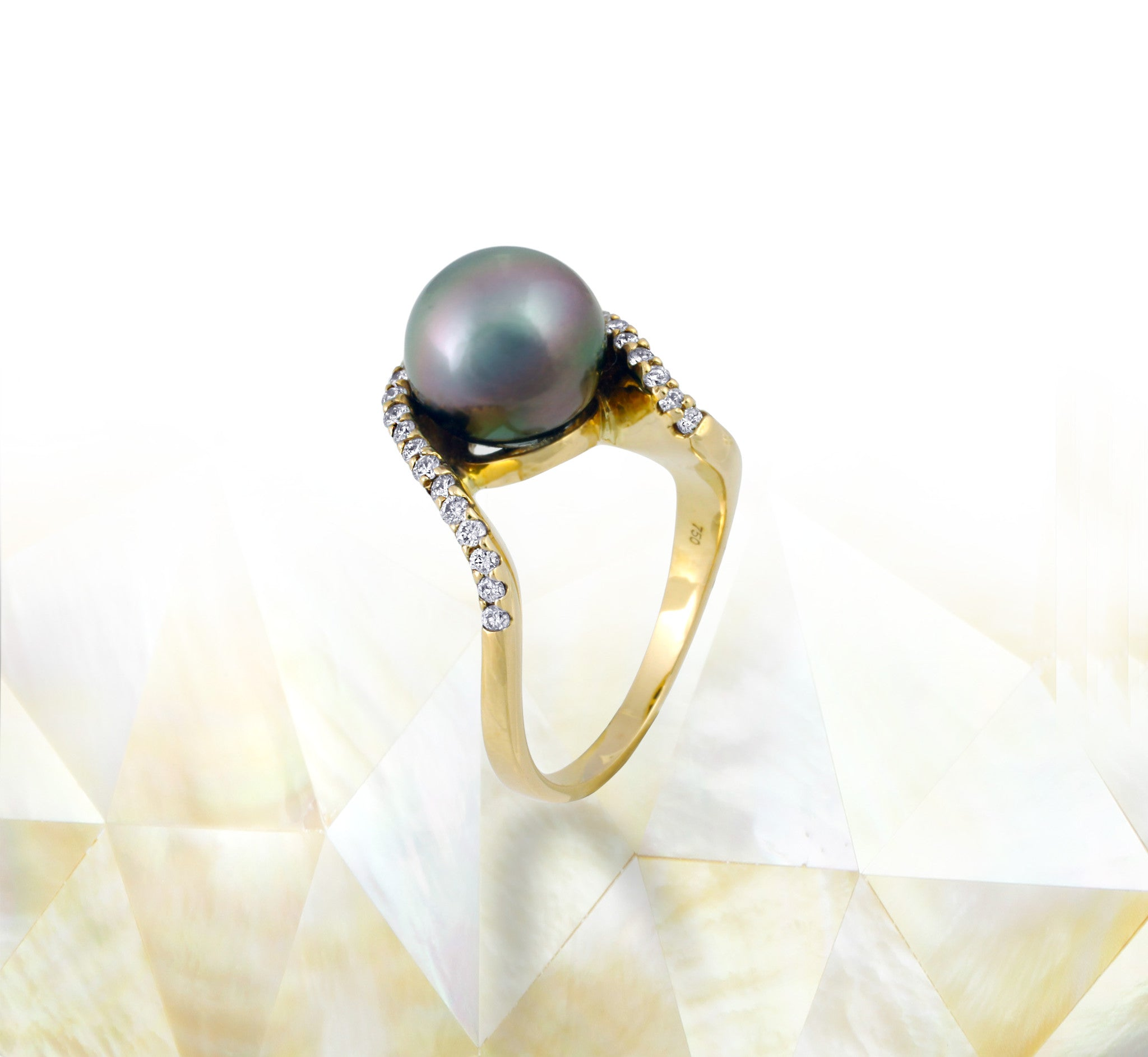 Tahitian pearl ring - 18K gold with Diamonds - RGYDPE00684
