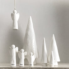Load image into Gallery viewer, Conical Christmas Tree set ceramic