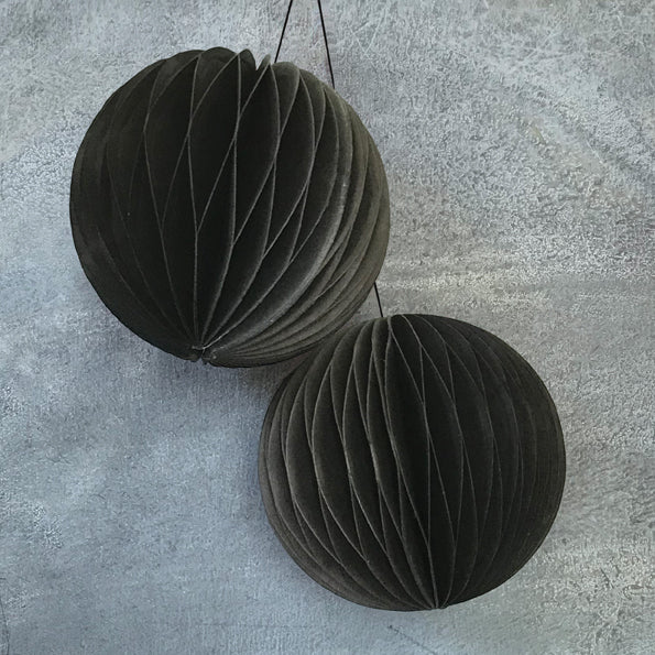 Baubles set of 2 Black