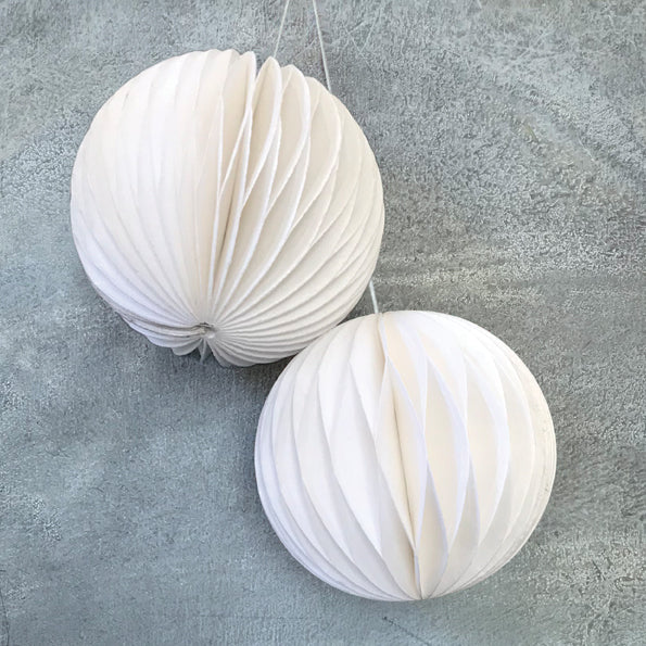 Baubles Set of 2 in White