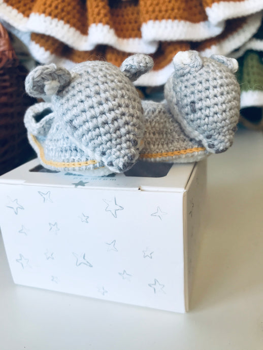 Crochet Fox new born booties