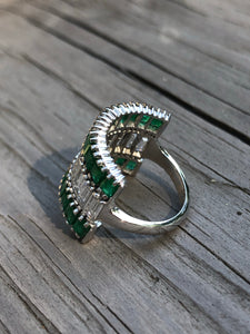 4.94ctw Diamond and Emerald Ring