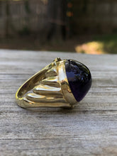 Load image into Gallery viewer, 42 Carat Cabochon Amethyst 18k Yellow Gold Ring