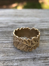 Load image into Gallery viewer, 14k Yellow Gold Leaf Ring