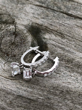 Load image into Gallery viewer, 1.30ctw Emerald Cut Diamond Earrings