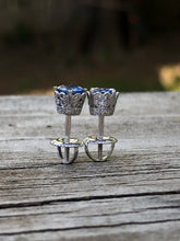 Load image into Gallery viewer, 1.25ct Sapphire18k White Gold  Stud Earrings