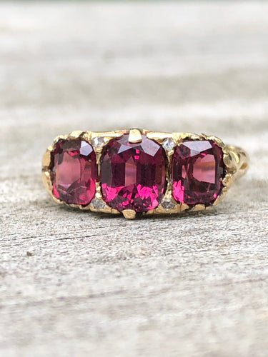 18k Gold Three Stone Garnet Ring