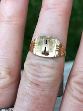 "Load image into Gallery viewer, 10k Gold Art Deco ""A"" Signet Ring"
