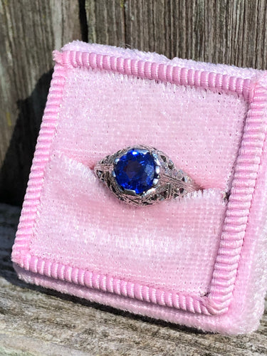 Antique 18k White Gold Sapphire Ring