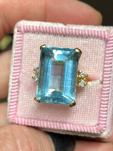 Estate 12.38 Carat Aquamarine Ring