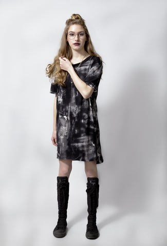 The Perfect T shirt dress | mini dress - In monochrom paint scratch