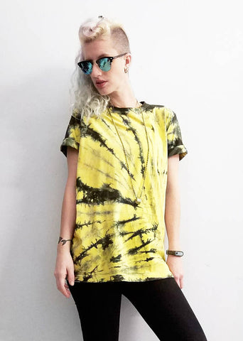 All Twisted Up Mens tie dye streetwear T shirt in yellow & black