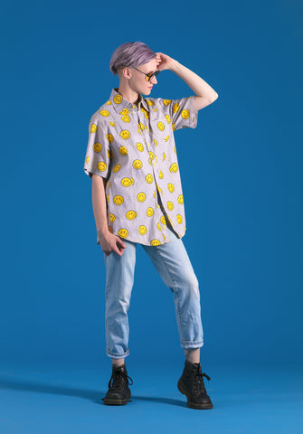 So ravin' 90s smiley print short sleeve button down shirt