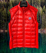 Load image into Gallery viewer, CANADA GOOSE Men's Hybridge Lite Vest Red Size L
