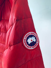 Load image into Gallery viewer, CANADA GOOSE Men's Hybridge Lite Jacket Red Size M