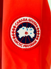 Load image into Gallery viewer, CANADA GOOSE Men's Ridge Shell Red Size M