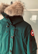Load image into Gallery viewer, CANADA GOOSE Ladies Montebello Parka Algonquin Green Size M