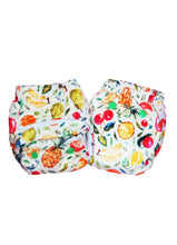 Load image into Gallery viewer, Superbottoms Newborn UNO diaper + 1 Organic Cotton insert & waterproof lining (2.5-6 Kgs)
