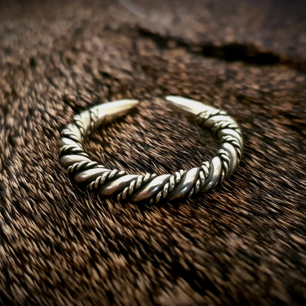 Viking Detailed Twisted Ring