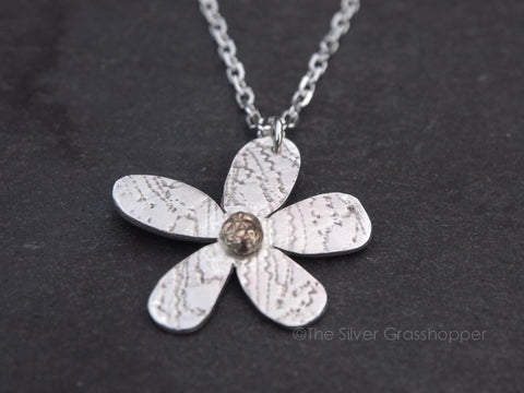 Silver lace daisy with gold centre - The Silver Grasshopper