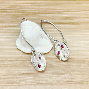 Vine Pattern & Ruby Oval Pendant Necklace