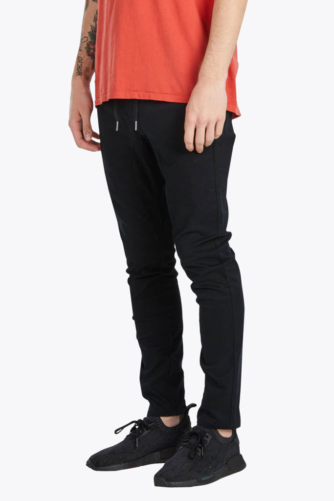 Salerno Chino // Black