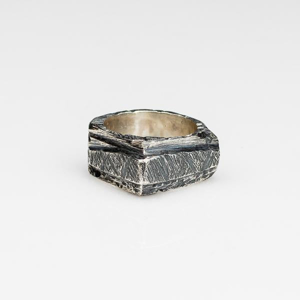 Volcanic Ring // Silver