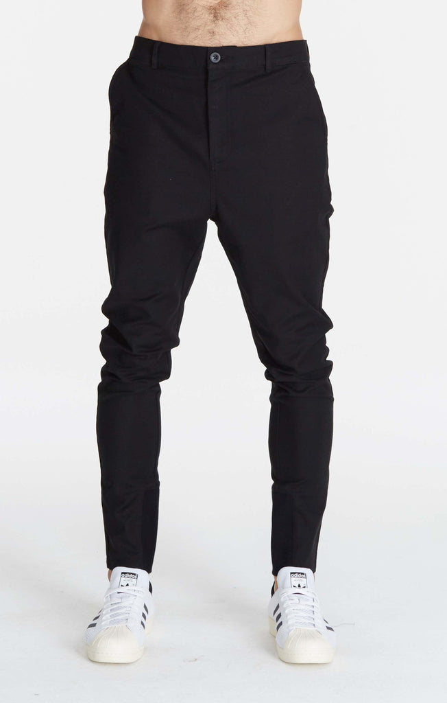 Sharpshot Chino // Black