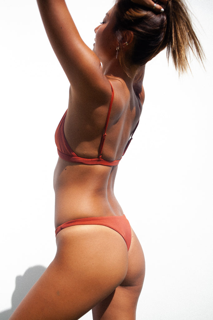 Thong Bottom /. Uluru Red