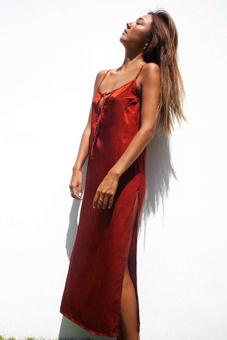 Slay It Slip Dress /. Uluru Red