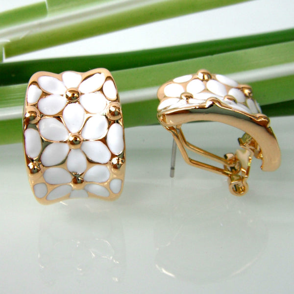 Navachi White Enamel Flower Leaves Earrings