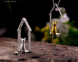 925 Sterling Silver Handmade Cute Gazing Cat Design Pendant. Necklace Not Included