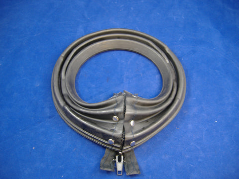 M35A2 BLACK ZIPPER AXLE BOOT FOR 2.5 TON 7410883