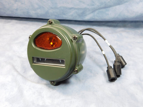 EARLY STYLE MILITARY VEHICLE AMBER LENS FRONT PARKING/TURN SIGNAL LIGHT - 7762614A