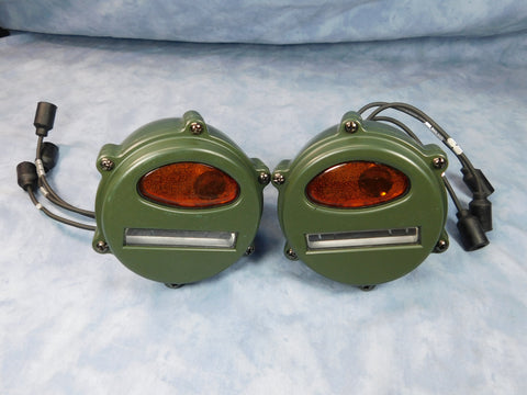 PAIR OF EARLY STYLE MILITARY VEHICLE AMBER LENS FRONT PARKING/TURN SIGNAL LIGHTS M35A1 M37 M38 7762614A