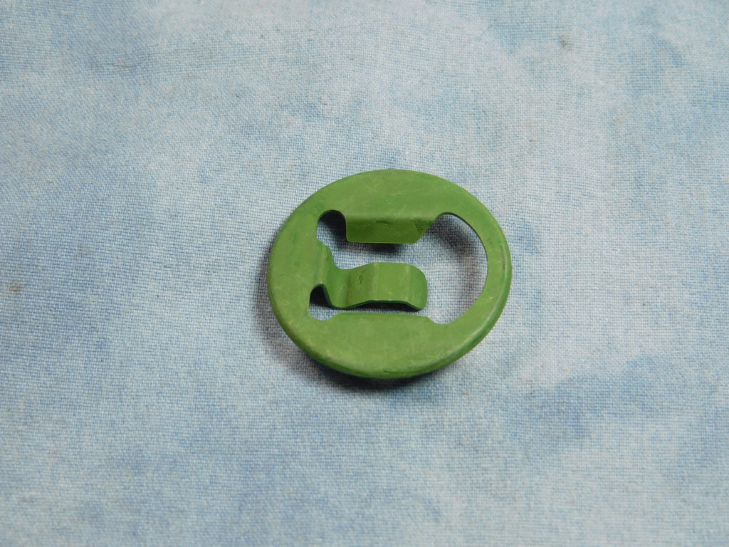 PART # 7529309 NSN 2540-00-562-0422 2540005620422 M35A2 DOOR GLASS CLIP