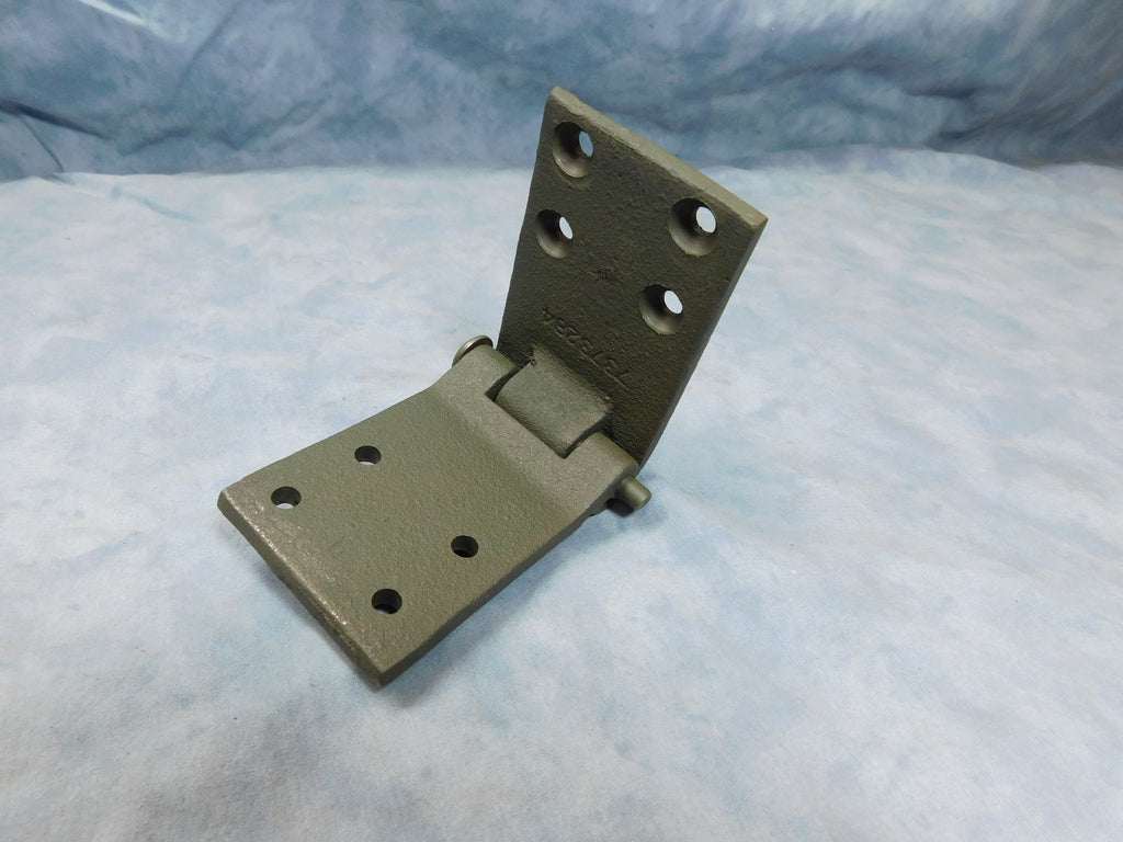 DOOR HINGE FOR MILITARY CARGO TRUCKS. FITS M35A1, M35A2, M35A3, M54A2, M809, AND M939/923 SERIES TRUCKS. FOR THE LEFT SIDE DOOR TOP AND BOTTOM.   PART # 7373285 NSN 5340-00-737-3285, 5340007373285, 955200, 1548E3