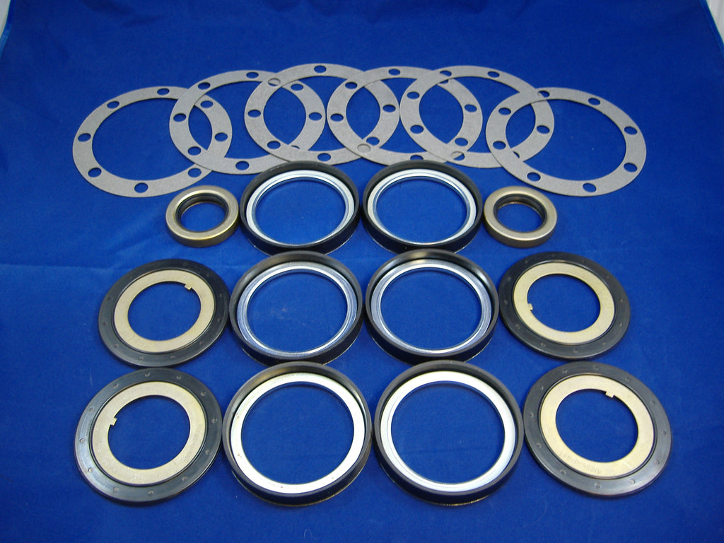 M35A2 WHEEL SEAL KIT, M35A2 HUB SEAL KIT, DEUCE WHEEL SEALS, DEUCE HUB SEALS, 7061238, 7521649, 7521789