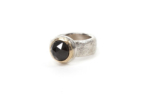 Gold Top Cocktail Ring - Onyx