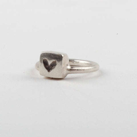 Heart Box Ring - Black