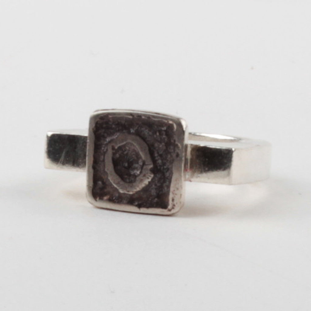 O Tile Ring - Black
