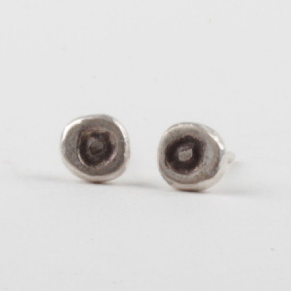 OO Stud Earrings - Black