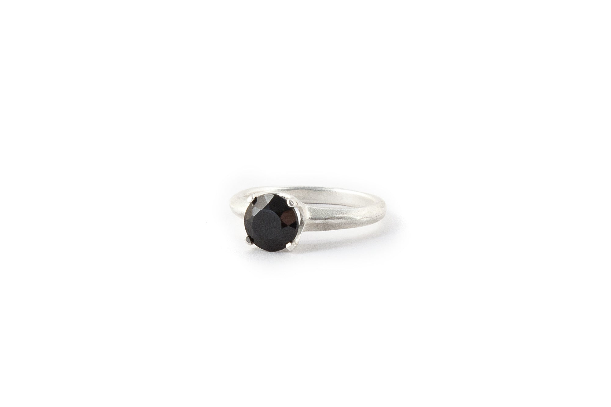 Small Crown Ring Onyx (Black)