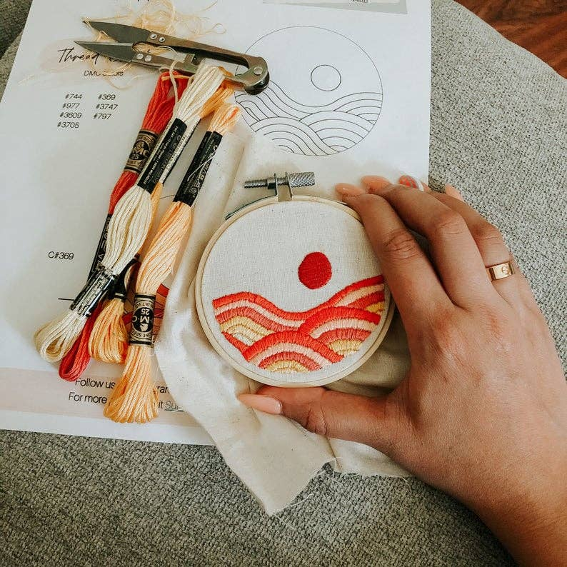 Rolling Hills Sunset Embroidery Kit - Beginner Embroidery